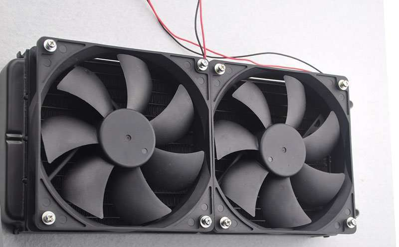 Water Cooling Radiator with two fans installed