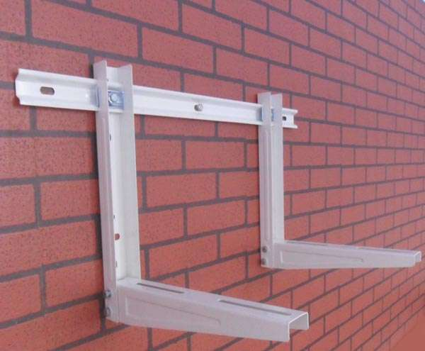 staffa del condizionatore d'aria con la barra di scorrimento (47)