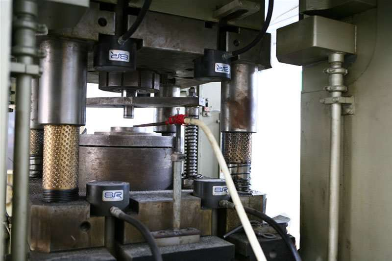 machines to steel forging