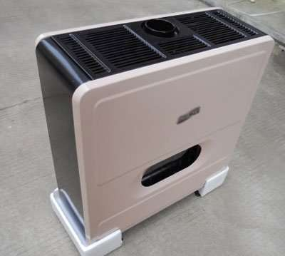 Adjustable thermostat gas burning heater