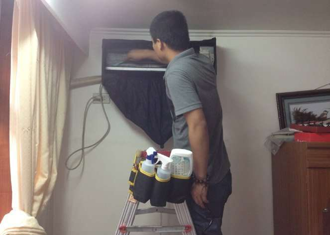 cleaning an air conditioner