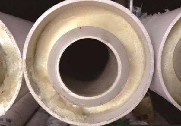 Pre-insulated central air conditioner chilled water pipe