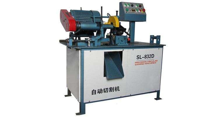 automatic bar feeding mechanism for cutting machine