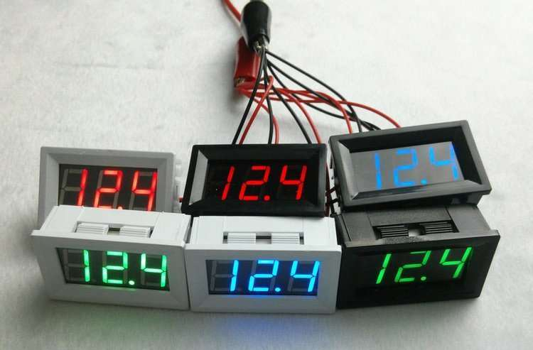 Upper and lower limit alarm voltage meter 2